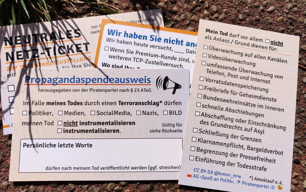 """Abbildung der Kärtchen """"Propagandaspendeausweis"""" und """"Neutrales Netz-Ticket"""""""